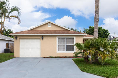 Boynton Beach Single Family Home For Sale: 10100 Boynton Place Circle
