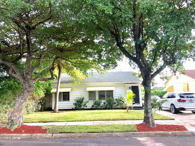West Palm Beach Single Family Home For Sale: 936 Avon Road