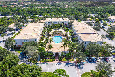 Palm Beach Gardens Condo For Sale: 4304 Myrtlewood Circle E #4304