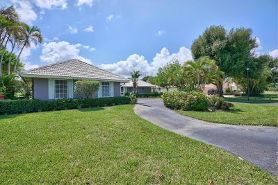 Martin County Single Family Home For Sale: 3541 SE Fairway West