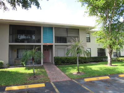 Boynton Beach Condo For Sale: 9930 Pineapple Tree Drive #212