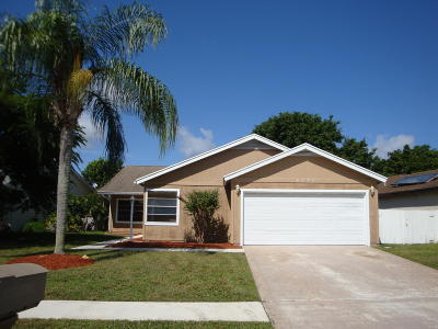 West Palm Beach Single Family Home For Sale: 4577 Brook Drive