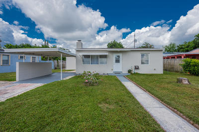 West Palm Beach Single Family Home For Sale: 641 Cherry Road Road