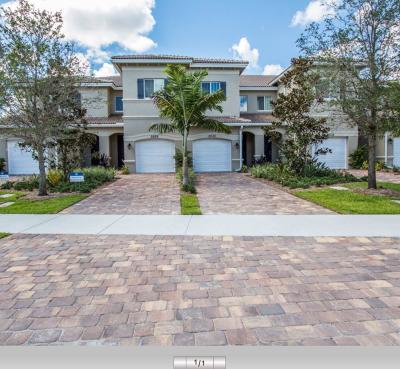 Delray Beach Townhouse For Sale: 2654 Webb Avenue