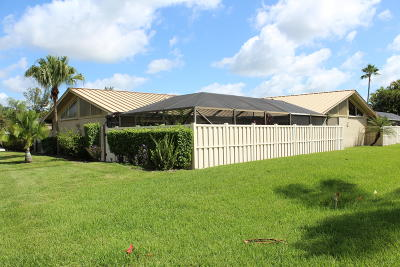 Palm Beach Gardens Townhouse For Sale: 5948 Golden Eagle Circle