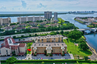 North Palm Beach Condo For Sale: 308 Golfview Road #301