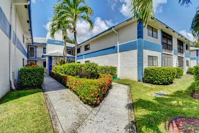 Delray Beach Condo For Sale: 15301 Pembridge Avenue #68