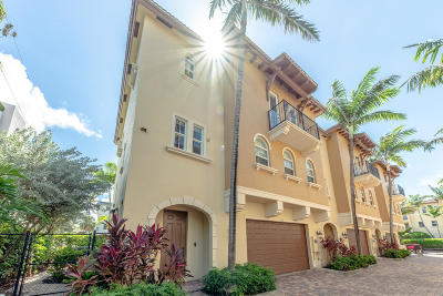 Broward County Townhouse For Sale: 3239 NE 13 Street