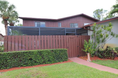 Lake Worth Townhouse For Sale: 4636 Holly Lake Drive