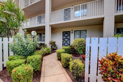 Delray Beach Condo For Sale: 6121 Pointe Regal Circle #106