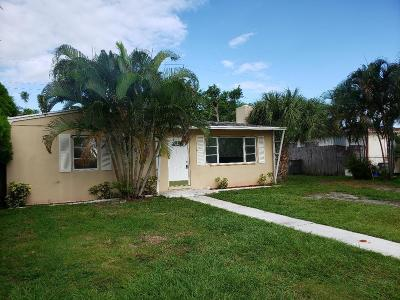 West Palm Beach Single Family Home For Sale: 2369 Clubhouse Drive