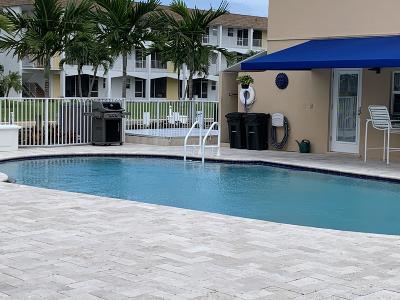 North Palm Beach Condo For Sale: 131 Doolen Court #206