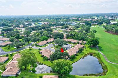 Palm Beach Gardens Townhouse For Sale: 613 Club Drive