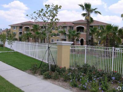 West Palm Beach Condo For Sale: 6510 Emerald Dunes Drive #301