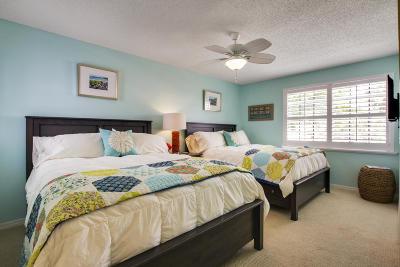 Palm Beach Gardens Townhouse For Sale: 716 Club Drive