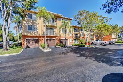 West Palm Beach Condo For Sale: 4175 Haverhill Road #910