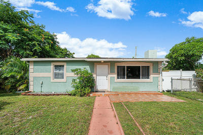 West Palm Beach Single Family Home For Sale: 2361 Robin Road