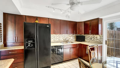 Boca Raton Condo For Sale: 6109 Old Court Road #137