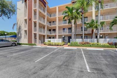Delray Beach Condo For Sale: 6241 Pointe Regal Circle #201