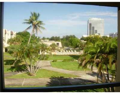 West Palm Beach Rental Leased: 1630 Embassy Drive #302