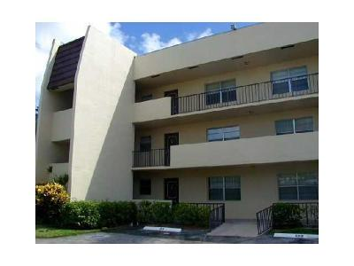 West Palm Beach Rental Leased: 1638 Embassy Drive #106
