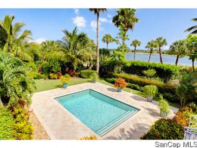 Sanibel Single Family Home For Sale: 1043 Sand Castle Rd