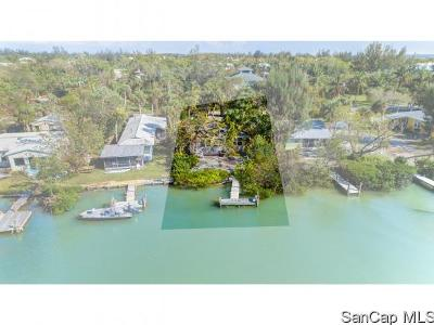 Sanibel Single Family Home For Sale: 2539 Coconut Drive