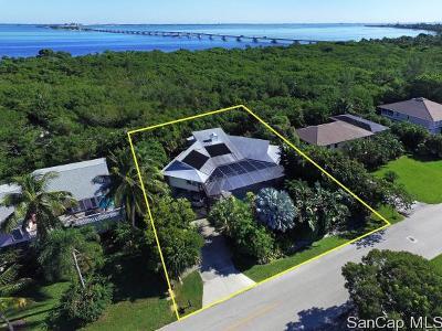 Sanibel Single Family Home For Sale: 958 Sand Castle Rd