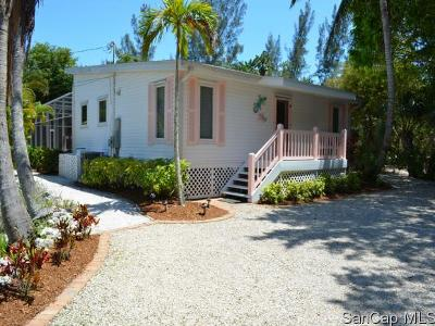 Sanibel Single Family Home For Sale: 1827 Middle Gulf Dr