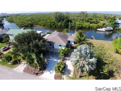 Fort Myers Beach FL Single Family Home For Sale: $645,000