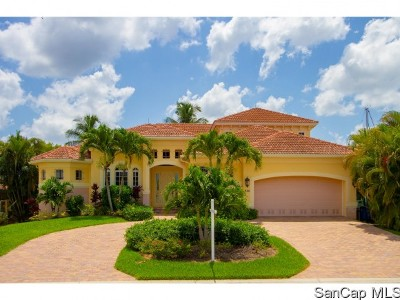 Fort Myers Beach Single Family Home For Sale: 18211 Cutlass Dr