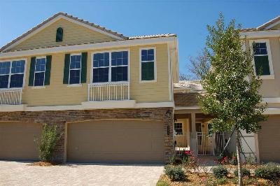 Townhouse For Sale: 153 Hedgewood Drive