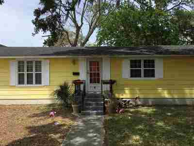 Single Family Home For Sale: 4 Nelmar Ave