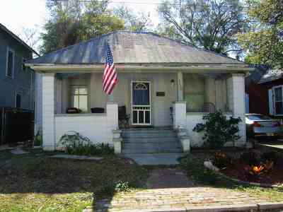 Single Family Home Conting_accpt Backups: 113 Dehaven St