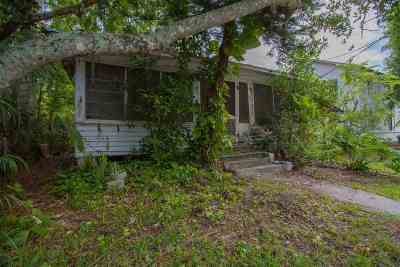 Single Family Home Contingent: 104 Cedar Street