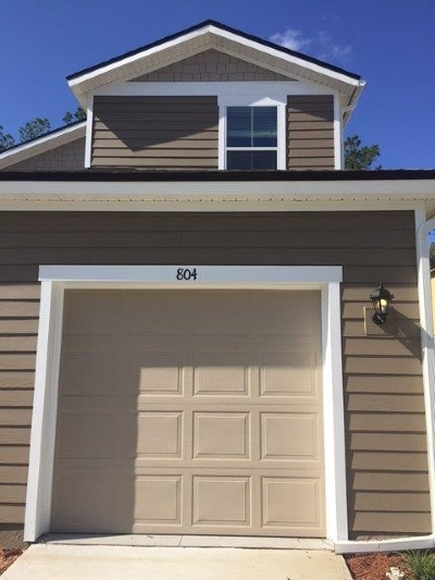 Townhouse For Sale: 804 Servia Drive