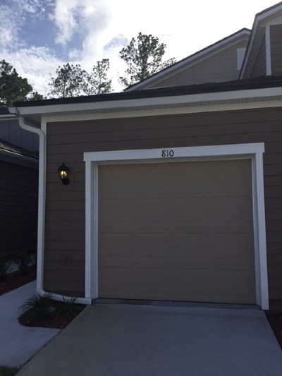 Townhouse For Sale: 810 Servia Drive