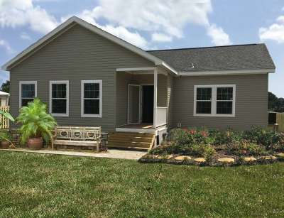 Single Family Home For Sale: 5910 Rio Royalle Road
