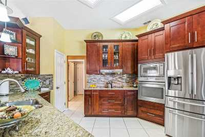 Jacksonville Single Family Home For Sale: N 995 Chapeltown Circle