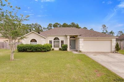 Palm Coast Single Family Home For Sale: 13 Red Clover Ln