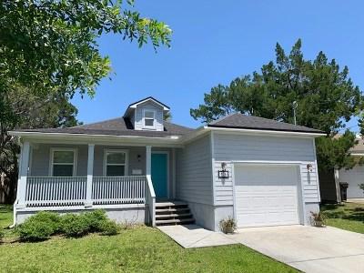 Single Family Home For Sale: 426 Arricola Avenue