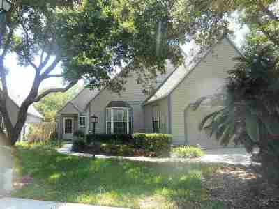 Single Family Home Conting_accpt Backups: 141 Ocean Hollow Lane(Pool Home)