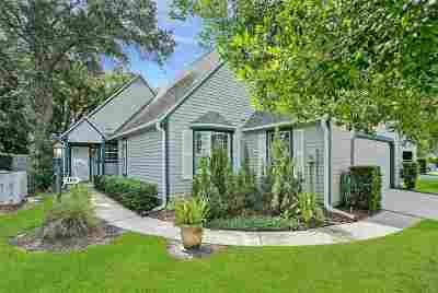 Single Family Home For Sale: 388 Village Dr