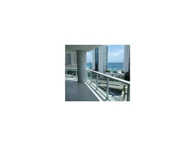 Sunny Isles Beach Condo/Townhouse For Sale: 16400 Collins Ave #1442