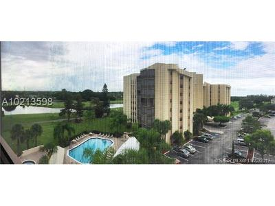 Lauderhill Condo/Townhouse For Sale: 7300 Radice Court #608