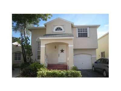 Pembroke Pines Single Family Home For Sale: 12034 NW 13th St