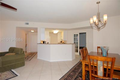 Hollywood Condo/Townhouse For Sale: 6001 N Ocean Drive #403