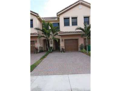 Tamarac Condo/Townhouse For Sale: 5886 NW 56th Pl #1103