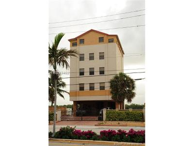 Hollywood Condo/Townhouse For Sale: 2712 N Ocean Dr #3
