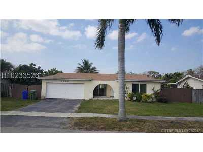 Pembroke Pines Single Family Home Active With Contract: 1302 NW 89th Ter
